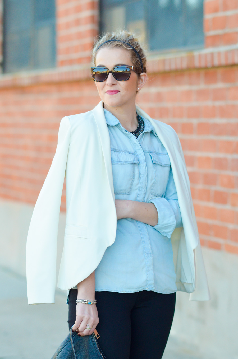 Silver Jeans Chambray Shirt Outfit w. Skinny Jeans