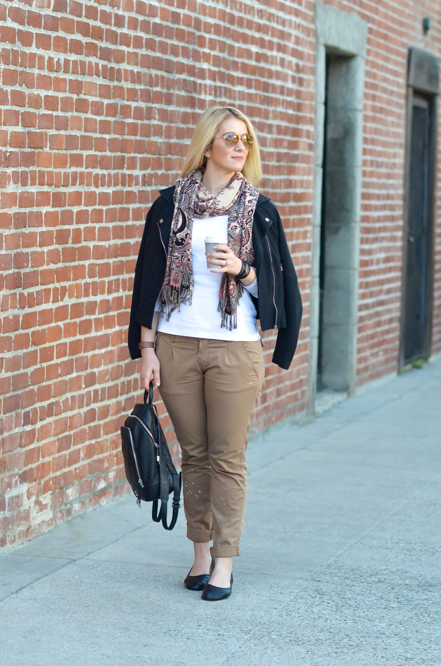Women's Khaki Pants Outfit Idea for Spring w. Black Flats