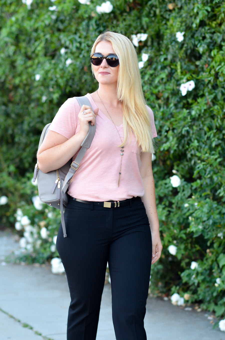 Tee Shirt + Cropped Trousers Outfit for Women