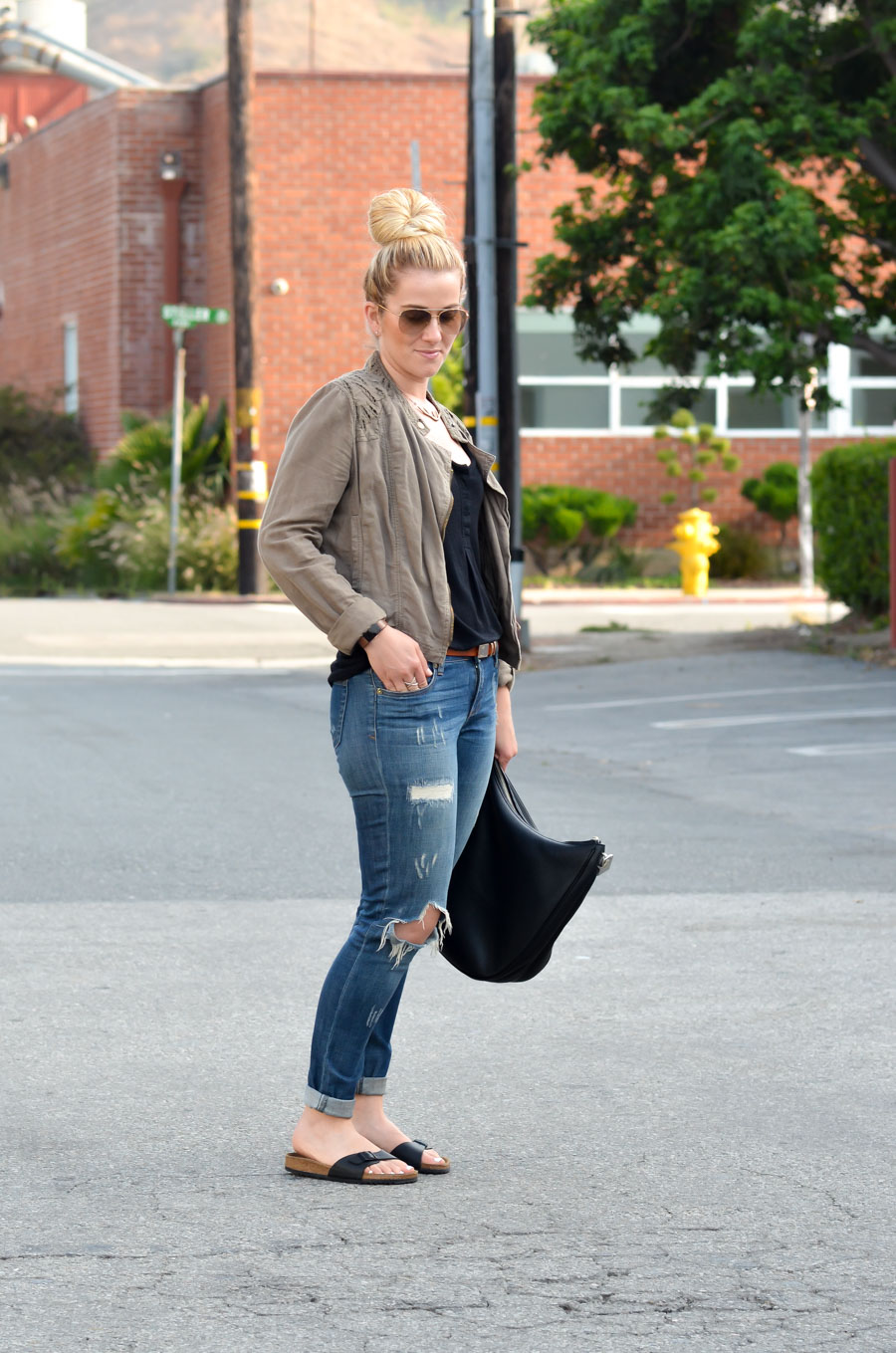 birkenstocks  jeans outfit idea for women  luci's morsels