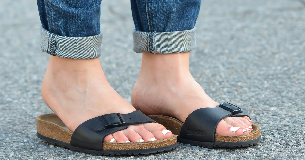 57c2b60b3673 Birkenstocks + Jeans Outfit Idea for Women