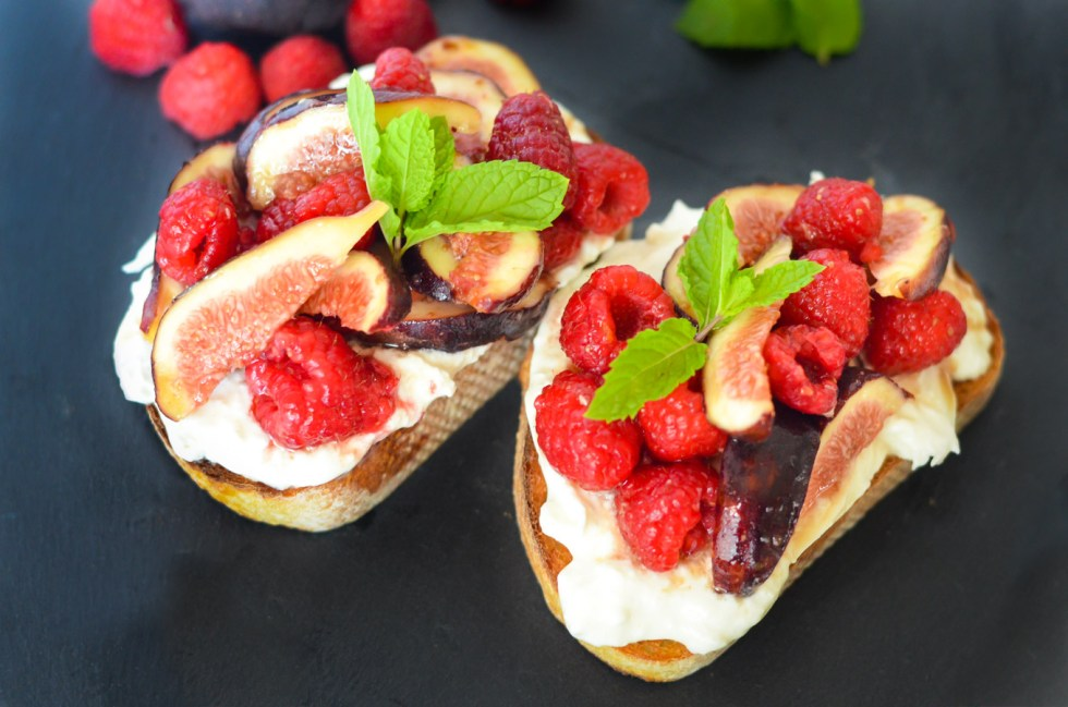 Fig + Berry Fruit Burrata Toasts w. Maple Syrup