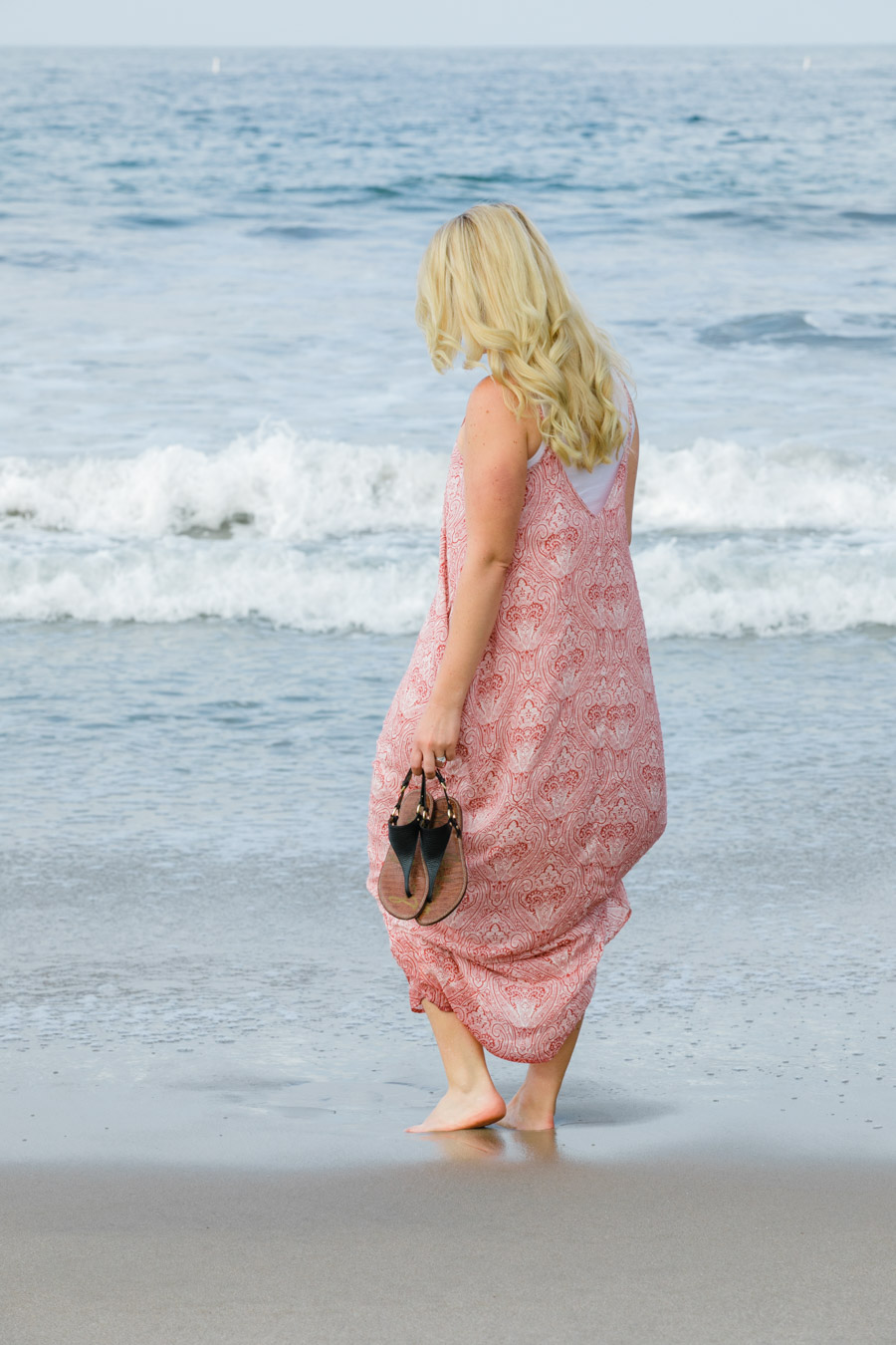 How to Wear Tanks Under Maxi Dress - Women's California Style