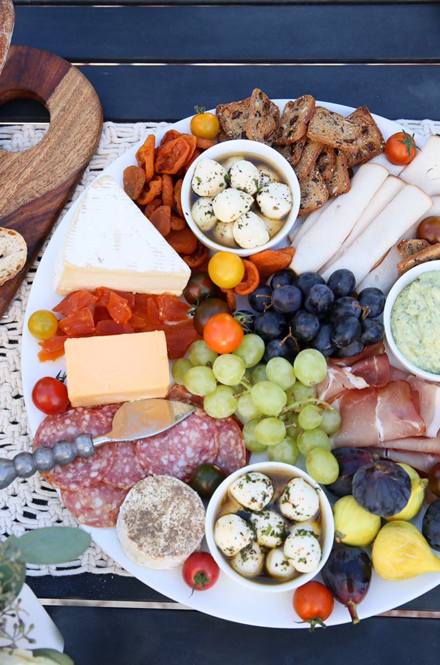 Holiday Christmas Wine Pairings for Every Meal - What wine goes with Appetizers
