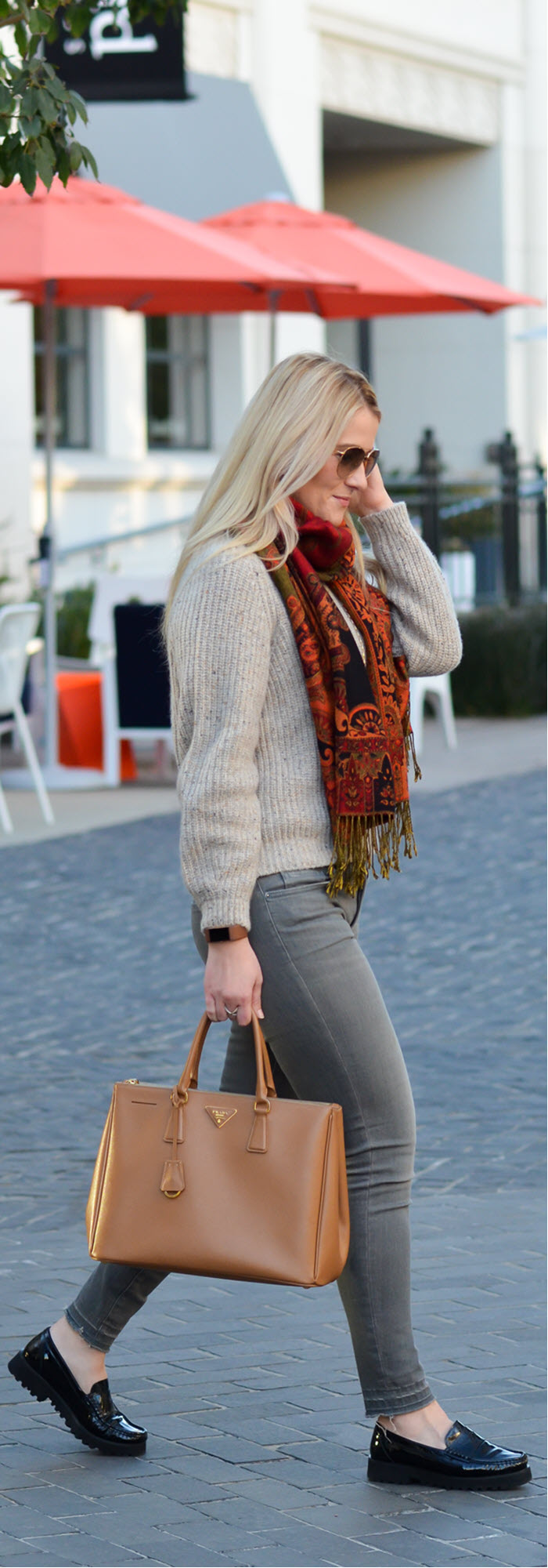What to Wear with Grey Jeans Outfit with Sweater #fashionblog #fashionblogger #lablogger #fallfashion #fallstyle #winterfashion #winterstyle #jeans #greyjeans #scarves #ootd #bloggerstyle #outfitideas #prada