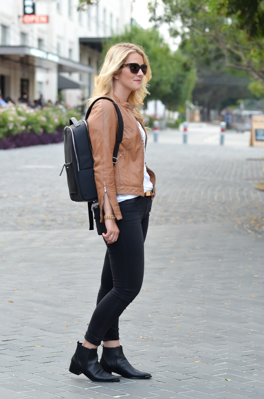 Backpack Outfits for Stylish Women - Tan Leather Jacket + Black Jeans