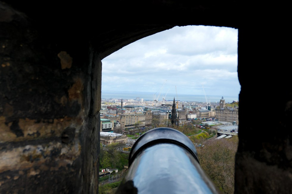 Scotland Castles + Palacess to Visit - Edinburgh Castle