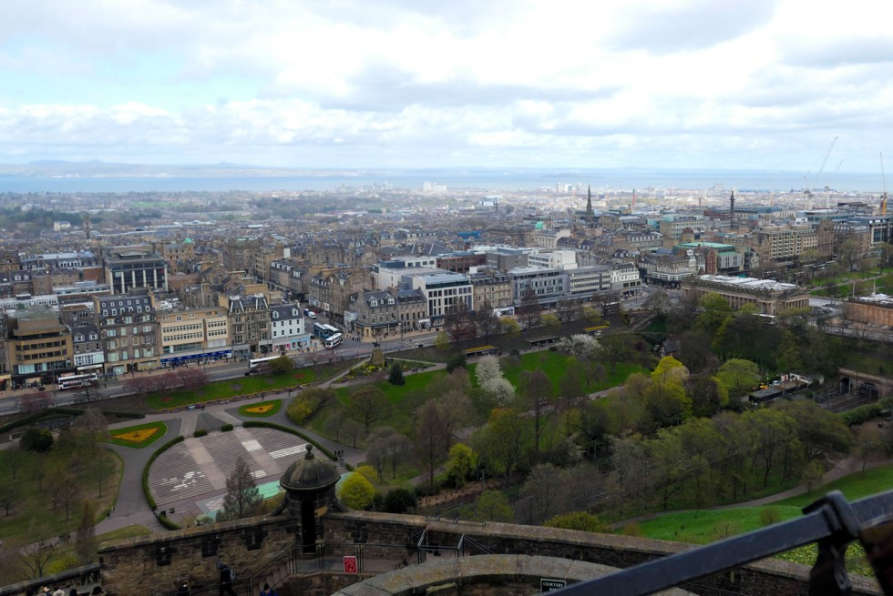 Scotland Castles + Palaces to Visit - Edinburgh Castle