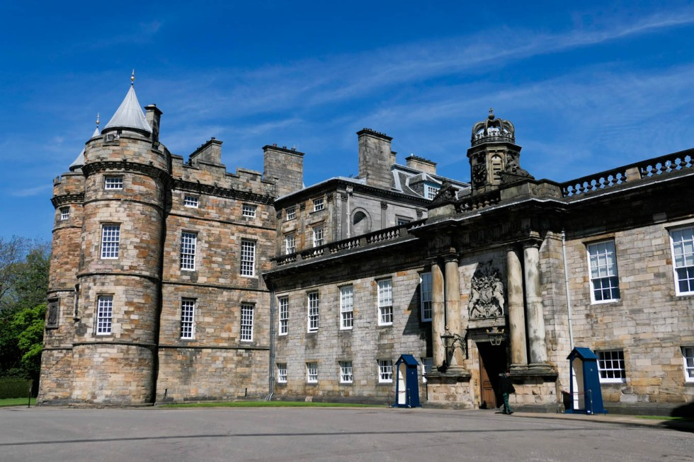 Scotland Palaces + Castles to Visit - Holyrood Palace + Abbey