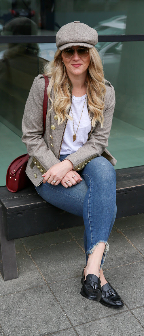 Brown Tweed Jacket Outfit with Jeans - Holland Cooper Review. Scottish tweet and great gold buttons make this a beautiful jacket. Easily match your jacket and newsboy hat for a stylish women's outfit. Current/Elliott jeans + tank w. APC Demi Lune Crossbody Bag #fashionblog #fashion #style #womensfashion