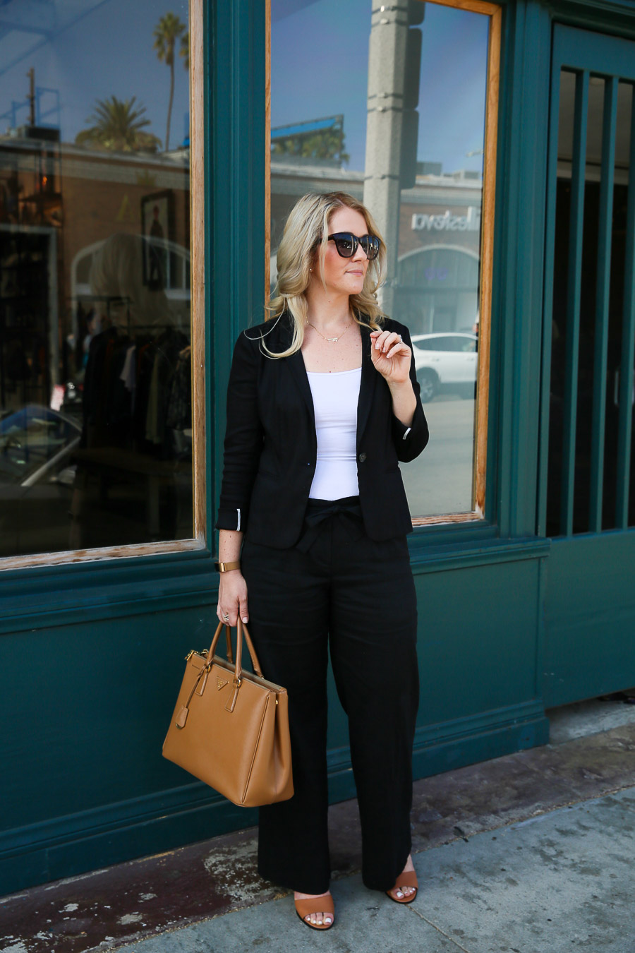 Black Wide Leg Pants Outfit for Work
