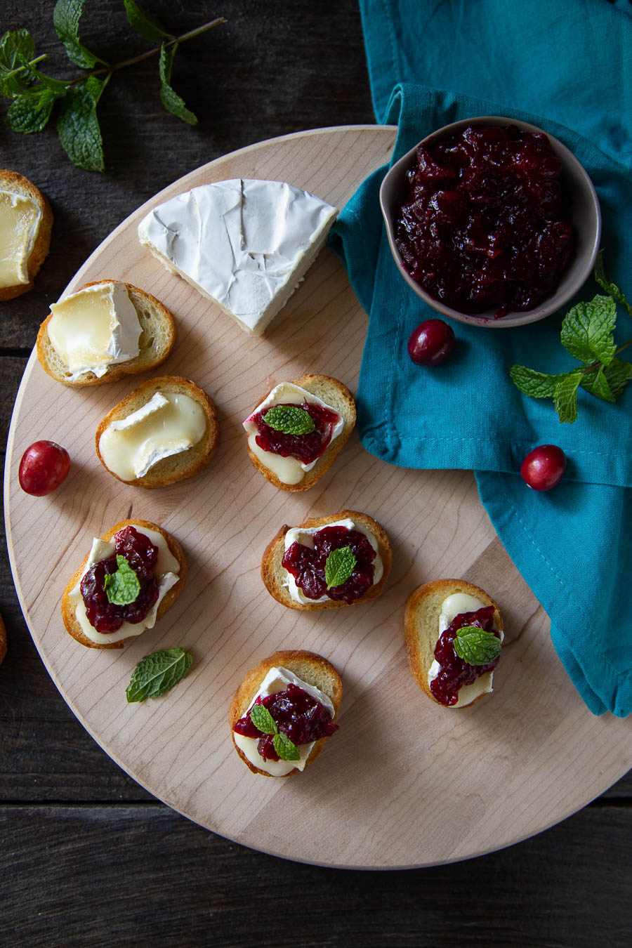 Brie Cranberry Appetizers - Crostini Thanksgiving Appetizer