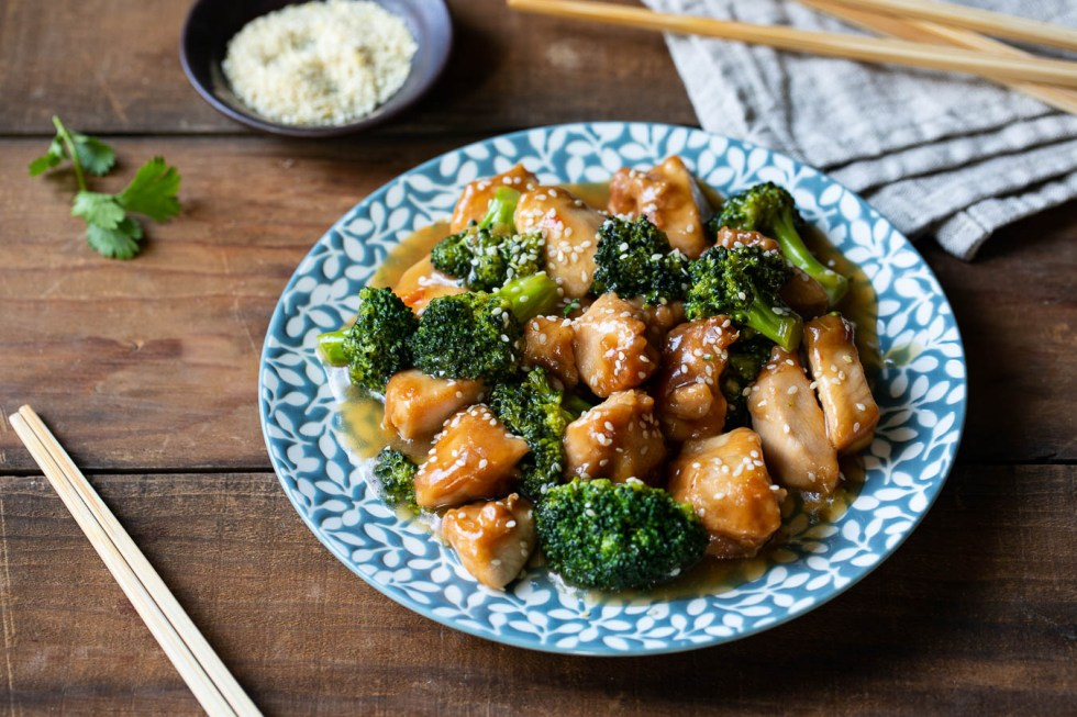 Healthy Sesame Chicken with Broccoli