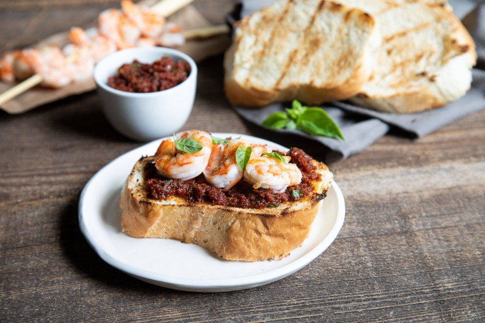 Bread with Grilled Shrimp and Sun Dried Tomato