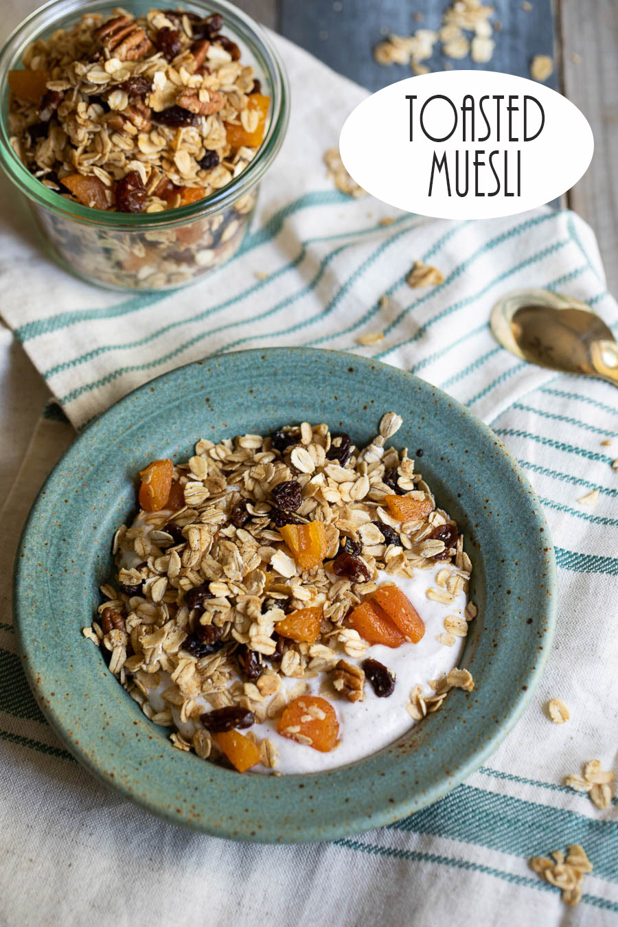 Toasted Muesli with Yogurt. This delicious, healthy breakfast recipe is a winner. Kid-friendly oat and fruit recipe. Served with your yogurt of choice for a hearty, filling breakfast. #breakfast #muesli #yogurt #vegetarian #healthy