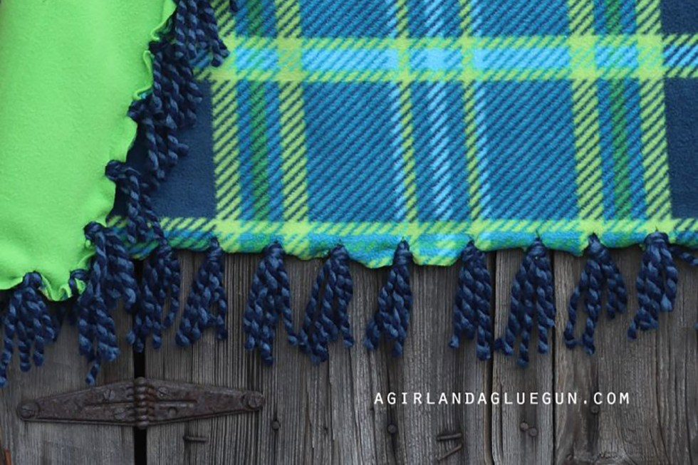 5 Things to Do This Fall - Fringe Blanket Making