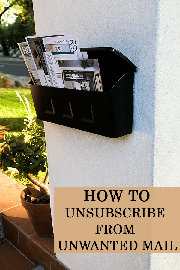 How to declutter your mailbox an inbox. Unsubscribe from mailing lists for newspapers, ads, and fliers to save paper and sanity! #ecofriendly #environment
