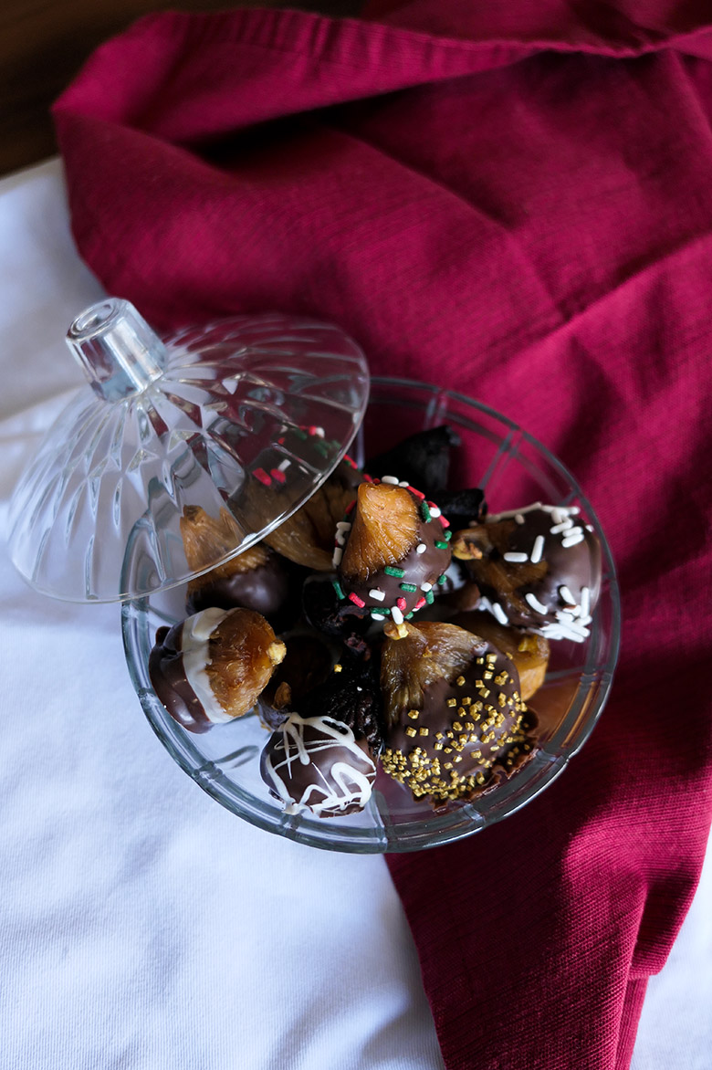 Chocolate Dipped Figs :: Homemade Gift