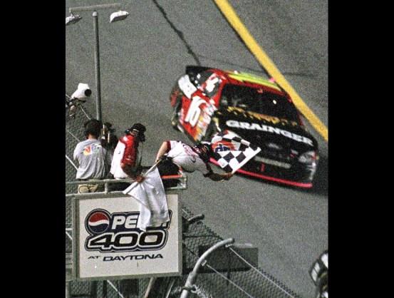 https://i0.wp.com/www.luckydogracing.com/racepictures/daytona2003/tr-07.jpg?resize=553%2C418