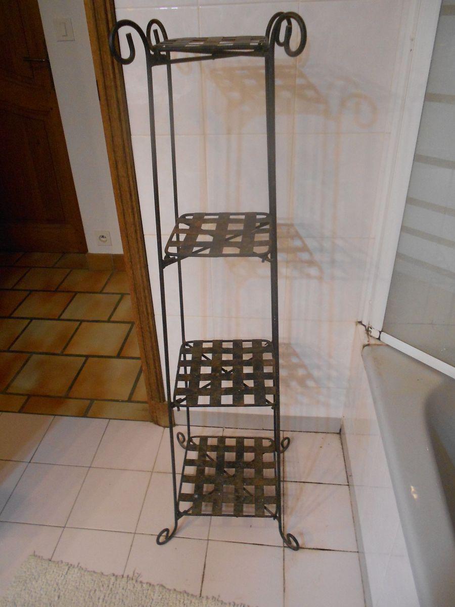 etagere noir fer forge decoration jardin ou maison