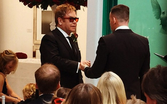 sir-elton-vows-kimberly sanders auckland marriage celebrant lucky in love