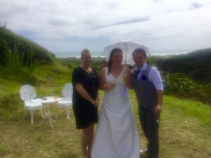 lucky in love marriage celebrant auckland weddings matakana waiheke kumeu north shore