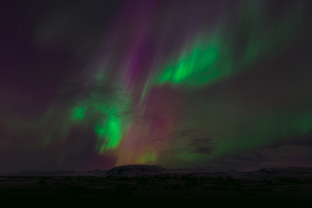 northern lights honeymoon, honeymoon under the stars