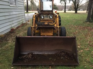 Front view of the tractor.