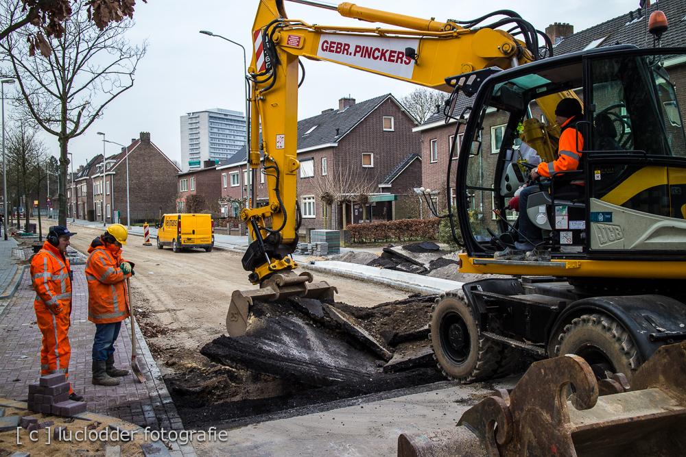Werkzaamheden nieuw wegdek en riool Benzeraderweg