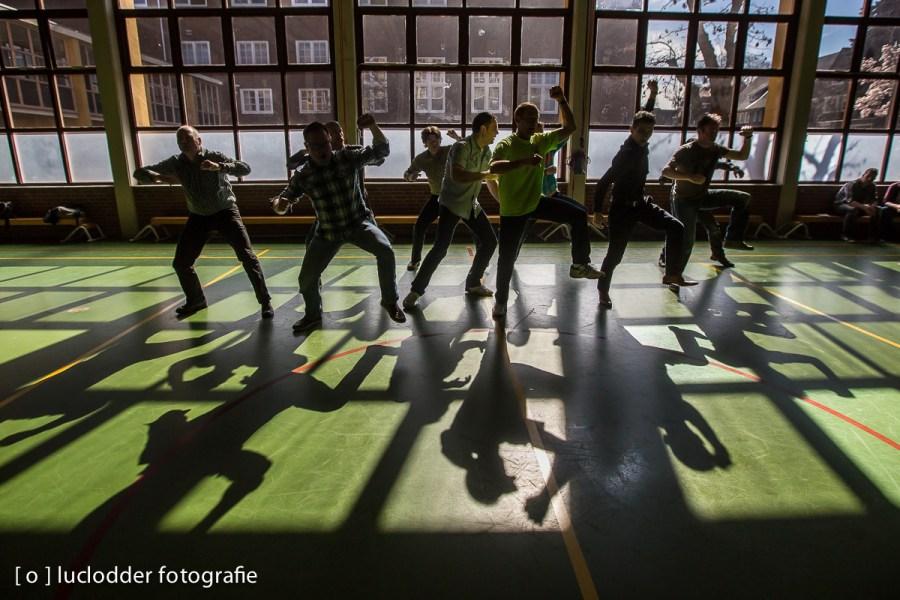 Docenten van het Bernardinus College deden een dansje.