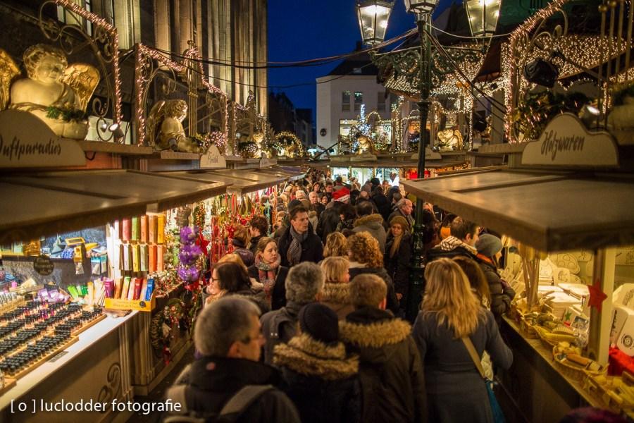 En er waren weer kerstmarkten. (In Dusseldorf de door nederlanders de meest bezochte.)