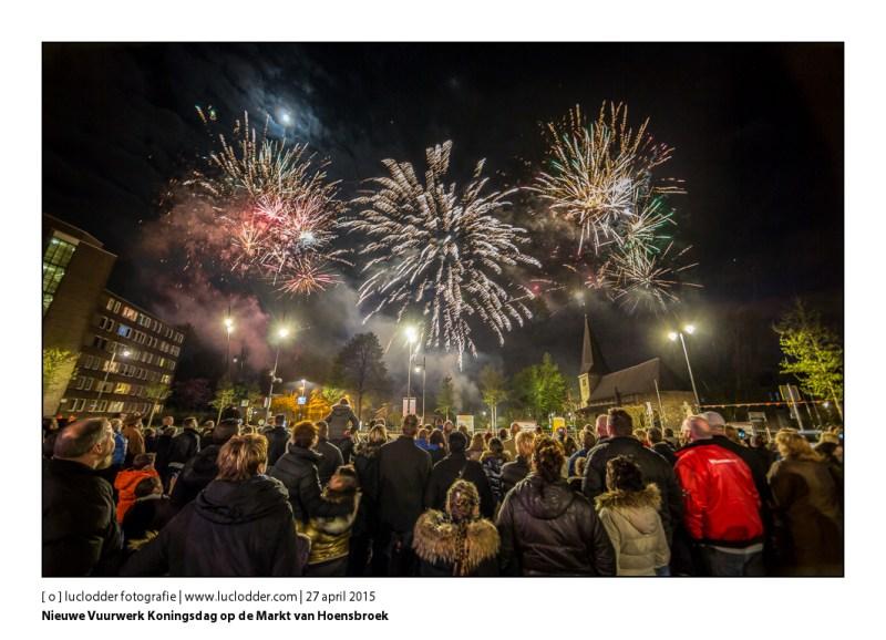 Nieuwe Vuurwerk Koningsdag op de Markt van Hoensbroek