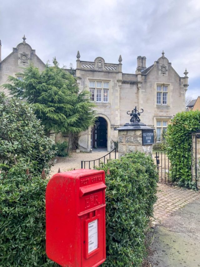 stamford houses with post box in front of it