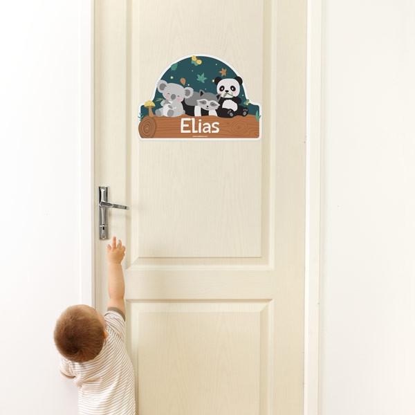 Gli stickers da muro sticasa rivestono le pareti del salotto, della cucina, dei corridoi e del bagno. Adesivi Per Porte Personalizzati Per Bambini