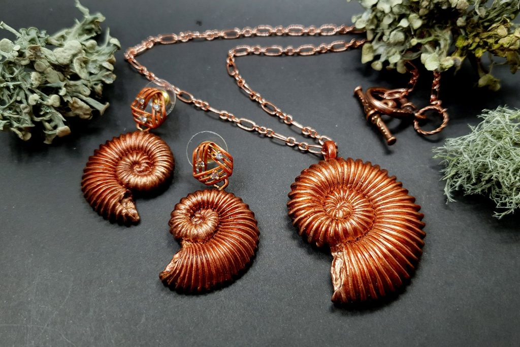 Product review: Molds&Powders Review. Jewelry with ammonites 6