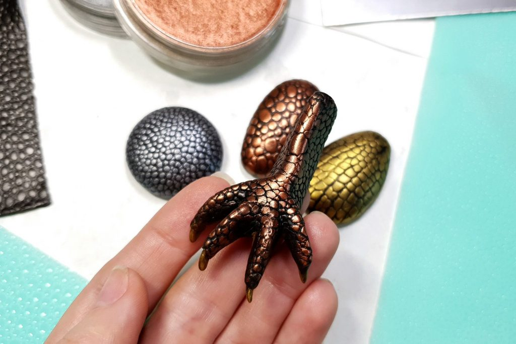 Free Tutorial: Dragon's look cabochons and quick Dragons Paw 9