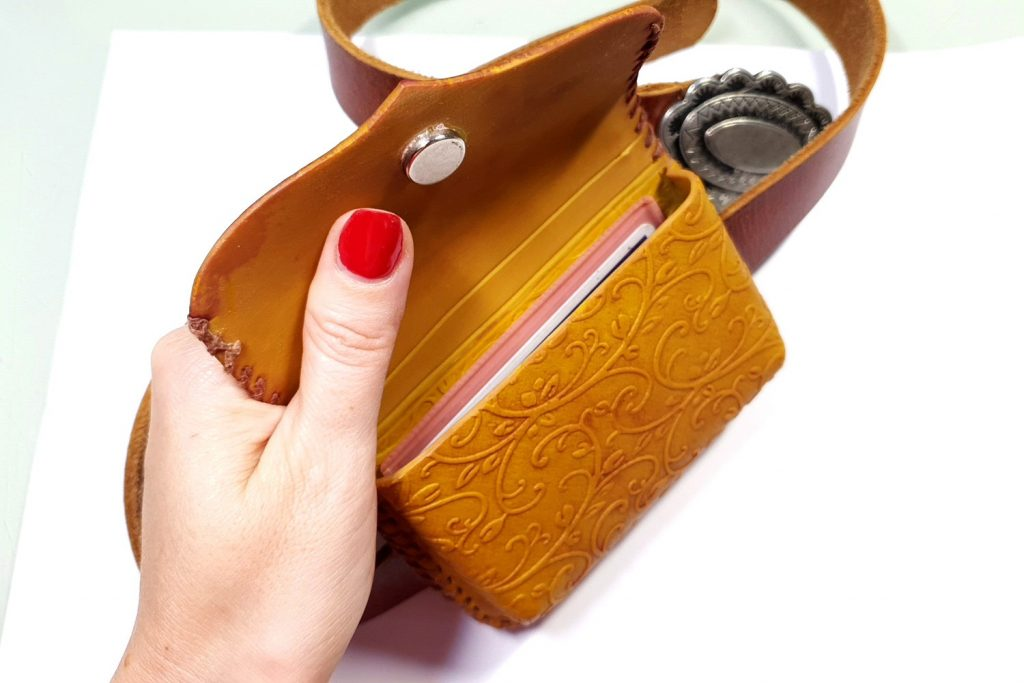 Free Tutorial: Faux Leather Belt Bag - Polymer clay FIMO 2