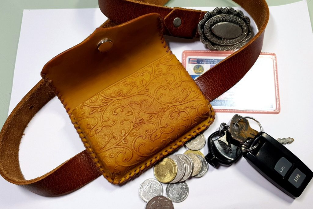 Free Tutorial: Faux Leather Belt Bag - Polymer clay FIMO 4
