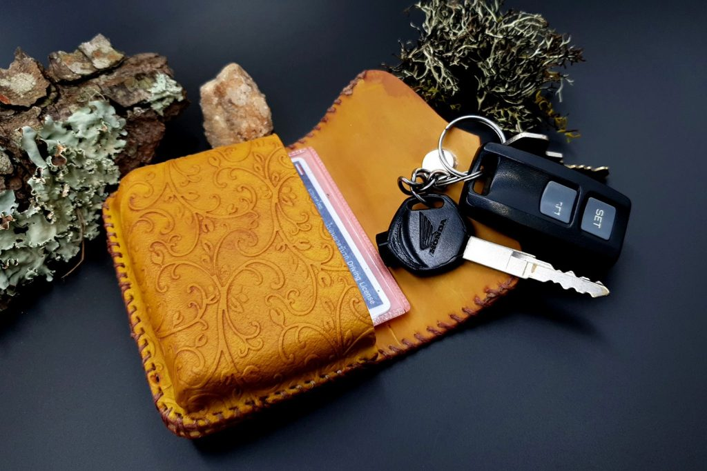 Free Tutorial: Faux Leather Belt Bag - Polymer clay FIMO 9
