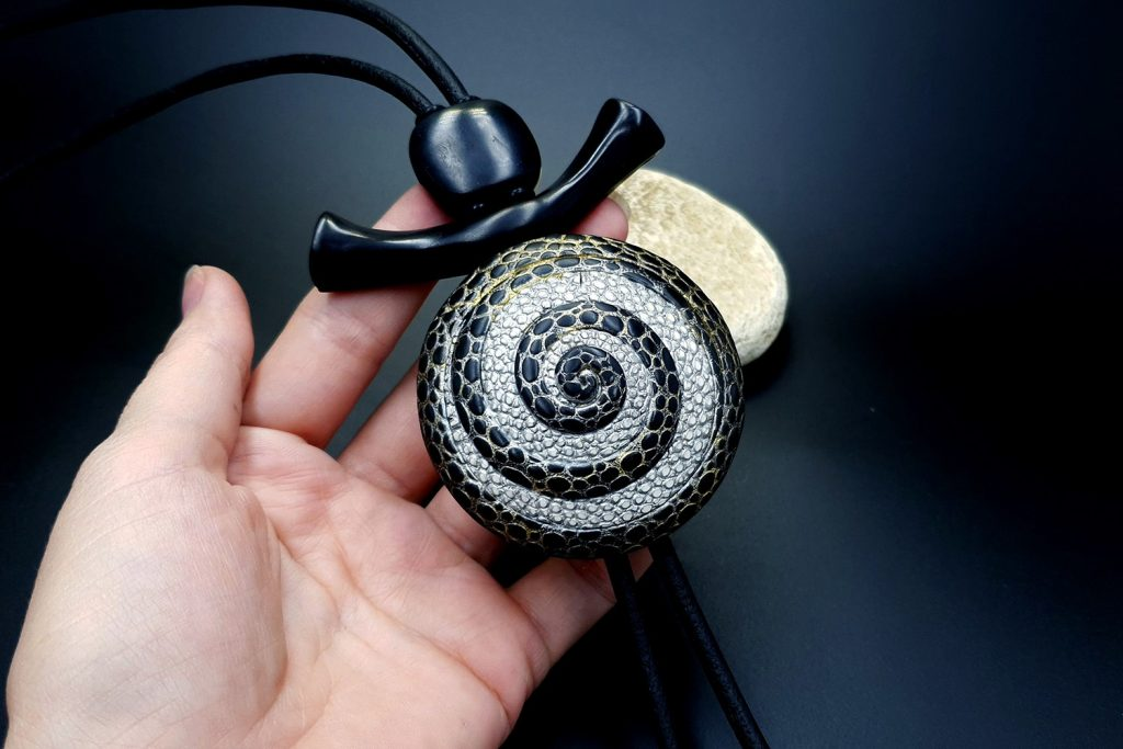 How to make: Focal Bead 4 styles - Textured Yin-Yang Swirl for Unusual Pendant 15