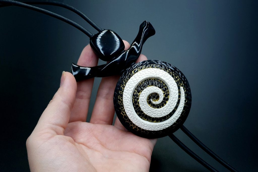 How to make: Focal Bead 4 styles - Textured Yin-Yang Swirl for Unusual Pendant 12
