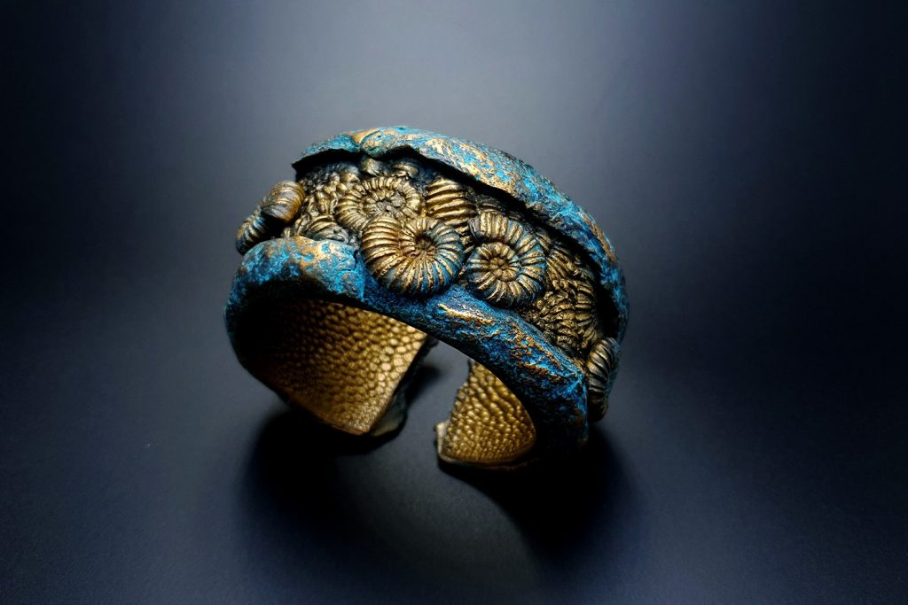 How to Make: Unique Bracelet Cuff with Faux Fossil Ammonites in Rock 3