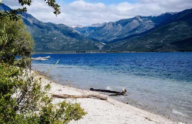 Lago_Epuyen-Vista-Web-tripinargentina