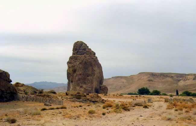 Piedra Parada - www.lugaresparavisitar.com.ar