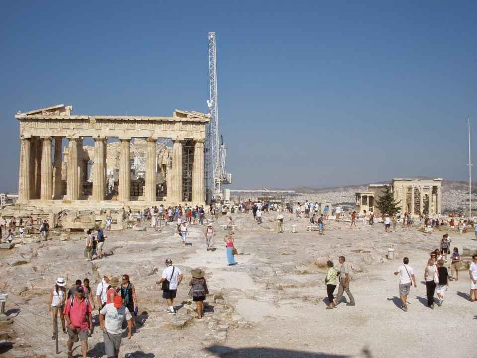 Decide viajar a Grecia
