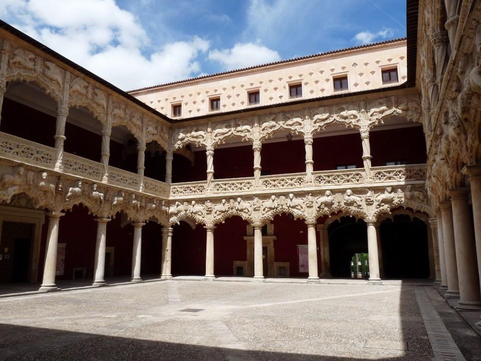 Interior del palacio de los Duques del Infanato