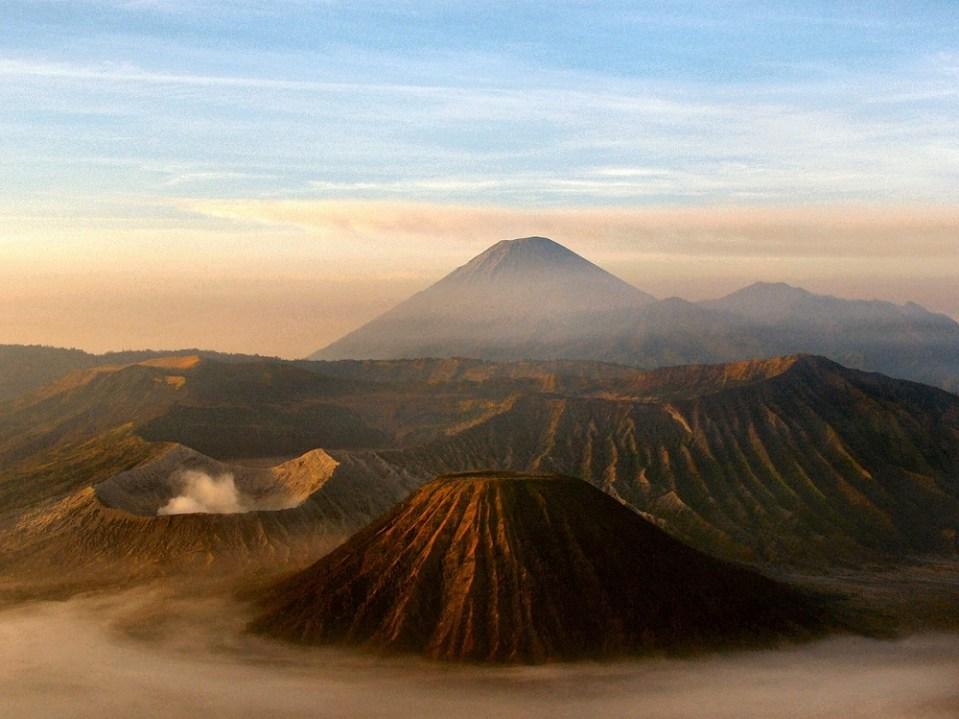 Volcán Merapi, en Java Central, Indonesia