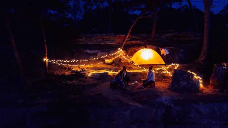 Viajar haciendo acampada: todo lo que deberías saber antes de hacerlo