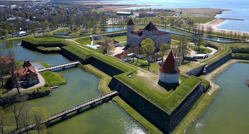 Kuressaare, otro de los pueblos costeros más bonitos de Estonia