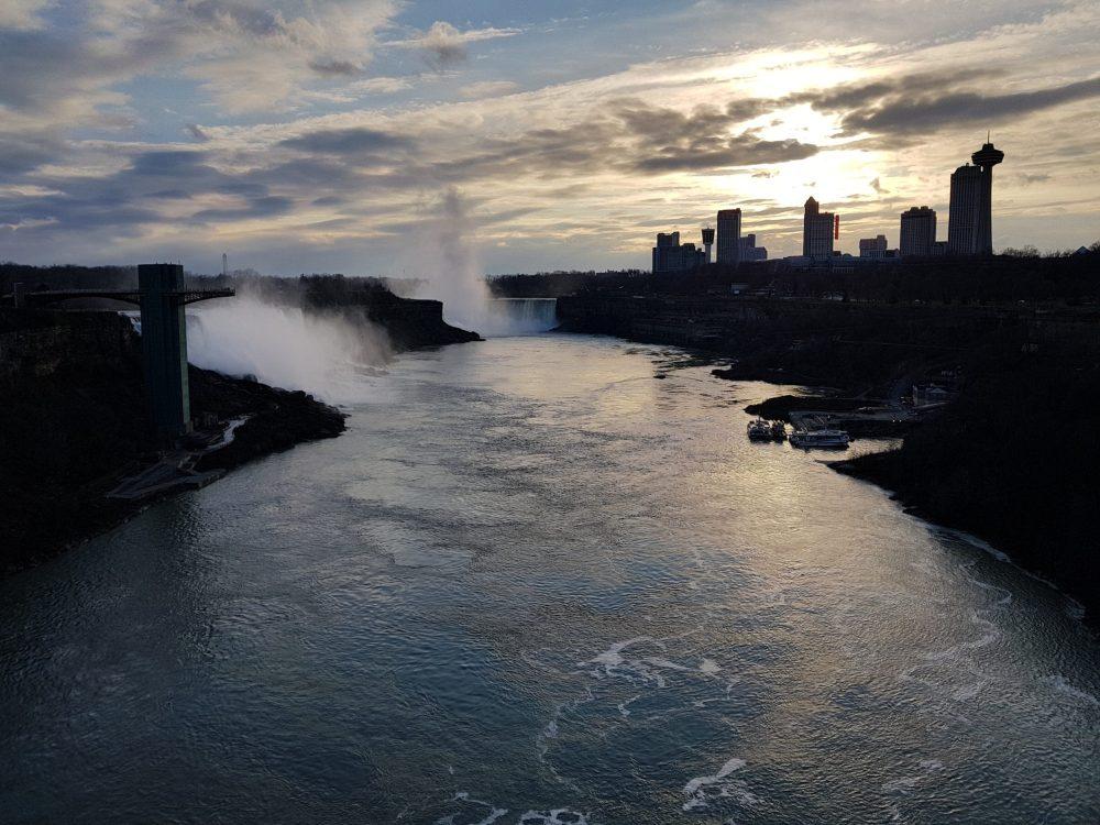 Vista desde las Cataratas del Niagara